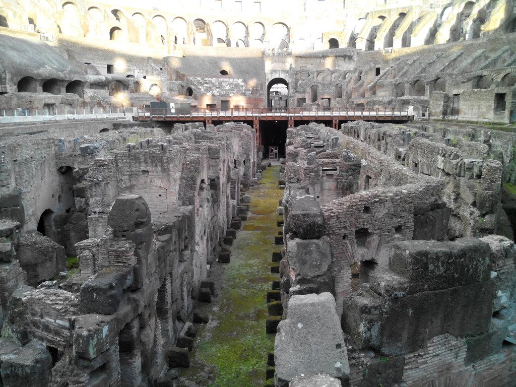 4.  Fontana de trevi (1)