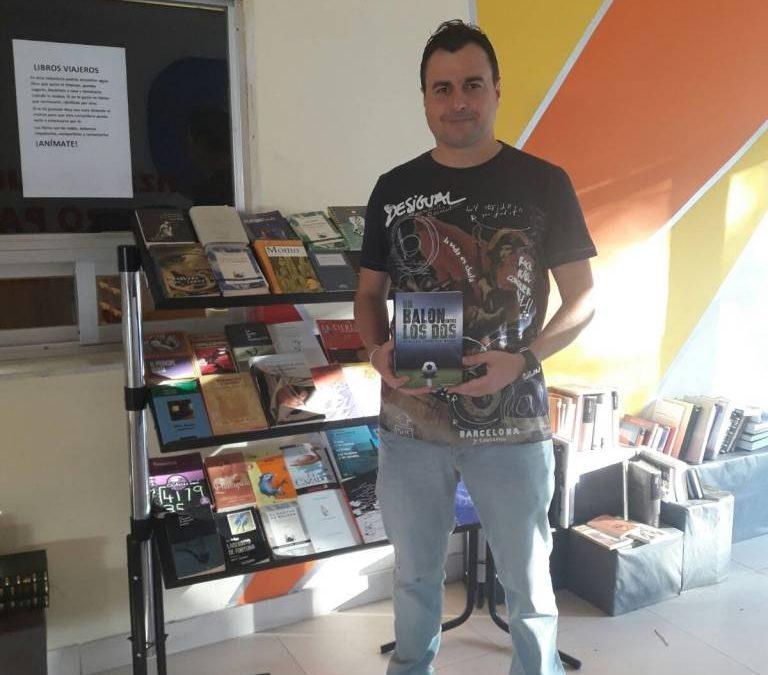 """El escritor  almeriense Domingo Torrente nos presenta su nuevo libro """" Un balón entre los dos"""""""