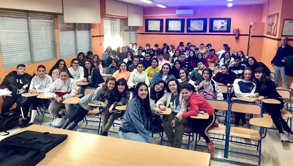 Laura López, una joven influencer en el IES Maestro Padilla